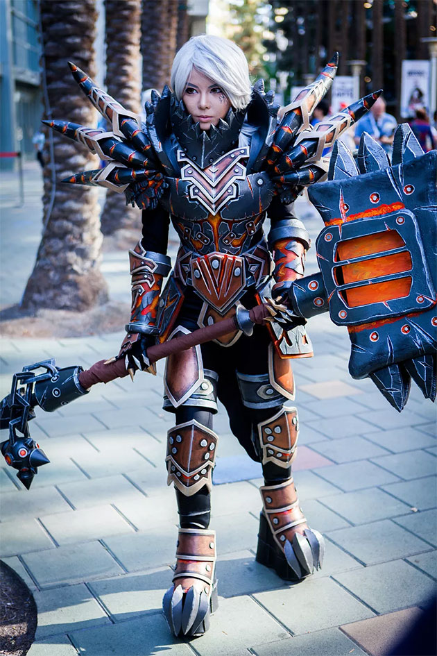 Tier 13 Warrior Armor Cosplay