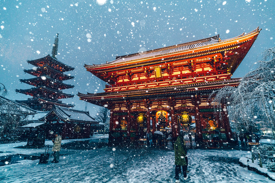 Tokyo Is Normally The City Of Neon Lights But When Snow Covered It
