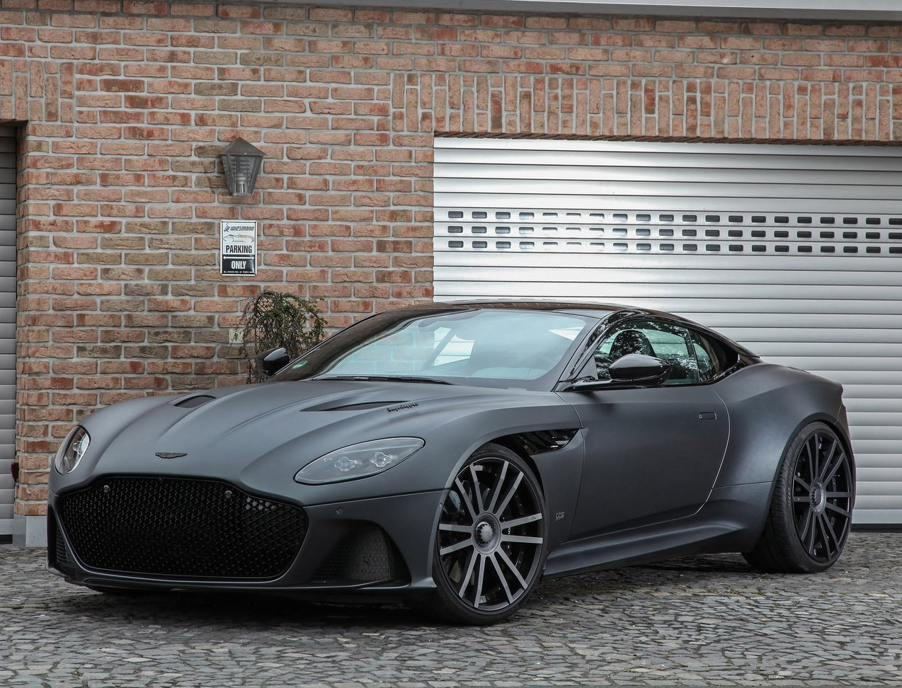Tuned Aston Martin DBS Superleggera