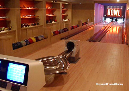 PICTURES: $88,000 Indoor Home Bowling Alley - TechEBlog