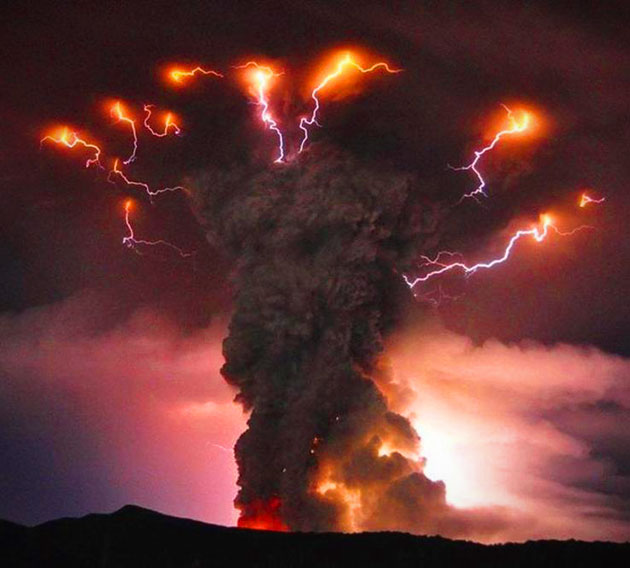 Volcanic Lightning Picture